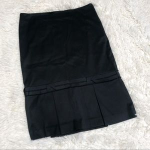 Bebe Black pleated skirt midi Sz 4